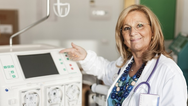 doctor with dialyzer