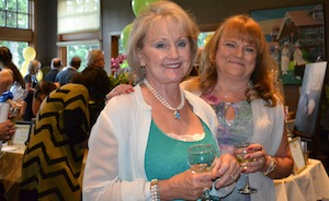 Kidney Auxiliary of Puget Sound members Kathy and Cheryl